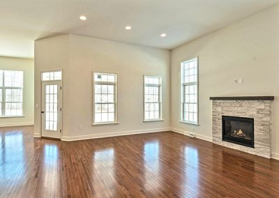 32PrD_CAN_Leighton_Family_Fireplace1