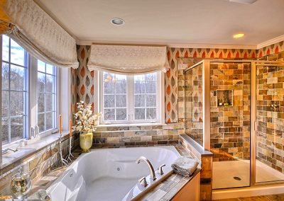 PRESTON II Collection - The Estates at Canterbury Crossing Model Master Tub Shower