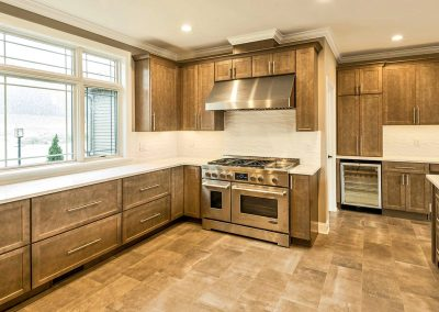 high end range and cabinets